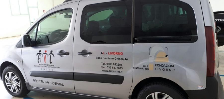 Una nuova auto navetta all'Associazione Italiana contro le leucemie
